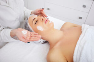 Esthetician or Skin Therapist job description and educational requirements