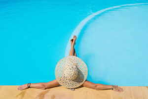why chlorine and hair don't get along